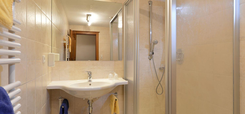 Badezimmer im Doppelzimmer Komfort